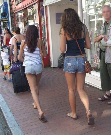 teen cut off denim shorts hot teens in cut off jeans