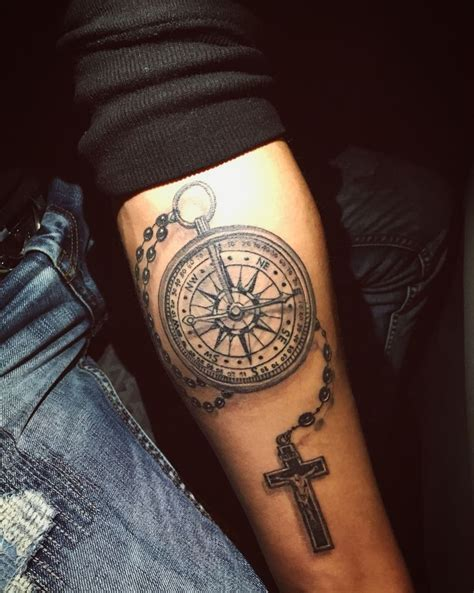 kompass kreuz tattoo 25 best ideas about tattoo kreuz on pinterest kreuz
