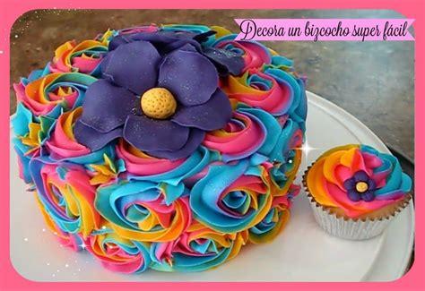 como decorar cupcakes con betun como decorar un bizcocho pastel y cupcakes f 225 cil con
