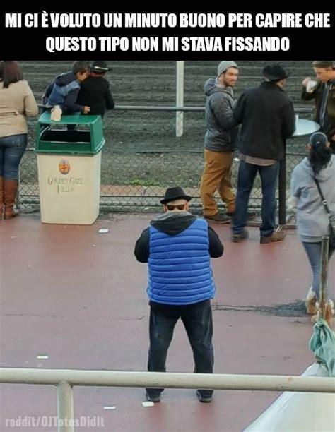 dietro alla testa barzellette net foto uomo con occhiali dietro alla testa