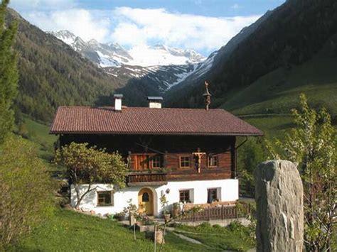 valle aurina appartamenti appartamenti in agriturismo feichterhof bianco