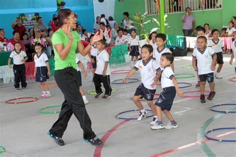 imagenes niños haciendo educacion fisica beneficios de la educaci 243 n f 237 sica en los ni 241 os