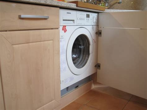 waschmaschine im bad verstecken waschmaschine in k 252 che integrieren knutd