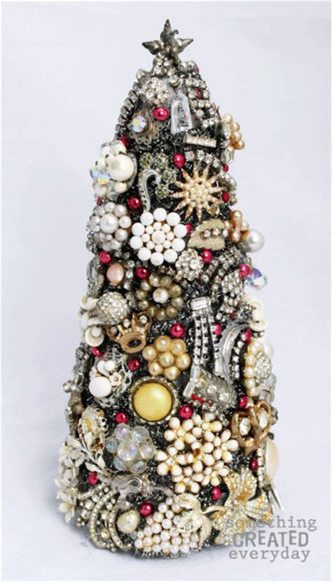 Christmas Tree Home Decorating Ideas 10 wonderful pine cone and christmas tree crafts