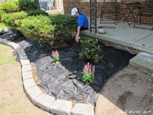 Landscape Weed Barrier by Easy Landscape Block Wall And Mulch