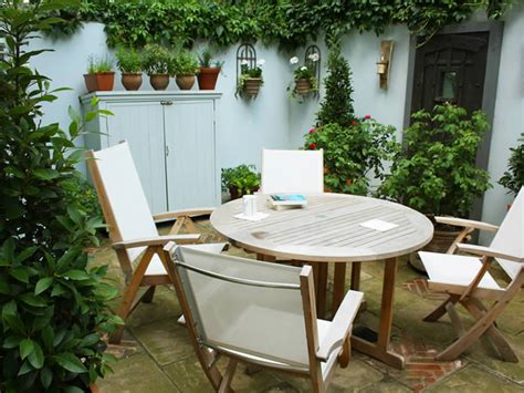 small courtyard ideas small courtyard garden caro garden design