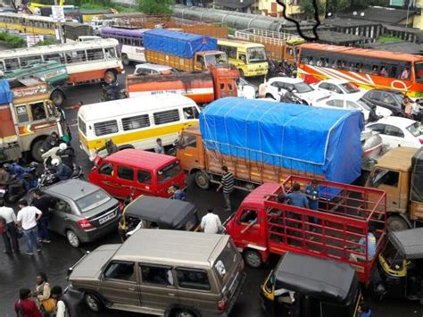 Jam Kaleng Hk D Hk336 4 major traffic congestion in thane mumbai news hindustan times