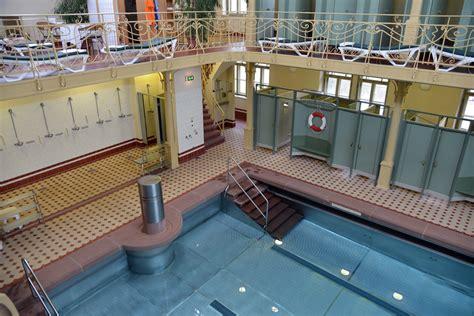 Schwimmbad Zu Hause 1992 by Altes Stadtbad Stadt Augsburg