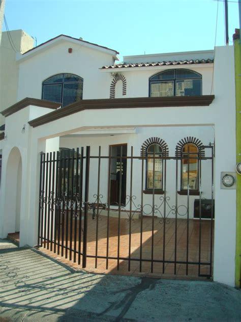 Patio De Autos Casa En Venta En Valle Quieto Morelia 1767 Hab 237 Tala