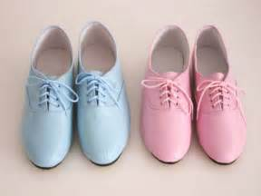 shoes blue and pink style picture