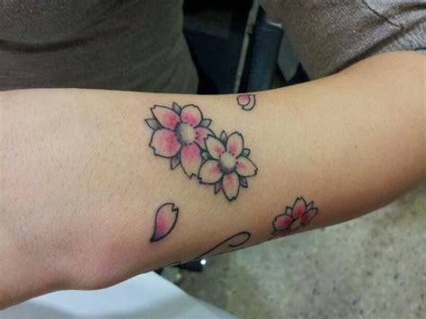 tatoo fiore tatuaggi floreali e con disegni di animali