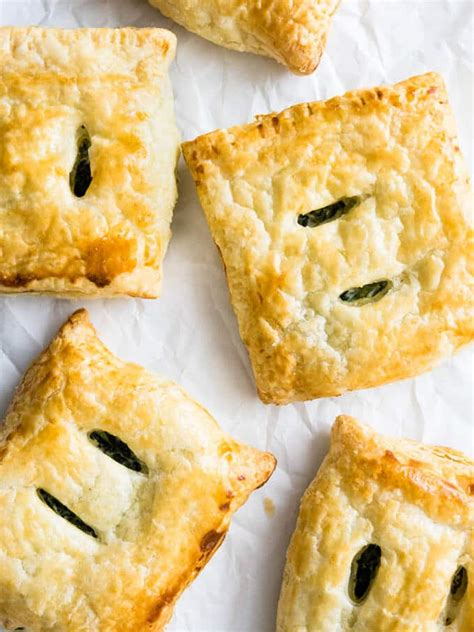 spinach ricotta puff pastry parcels