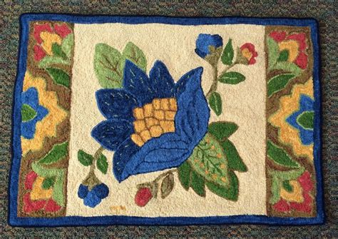 traditional rug hooking best 2715 traditional rug hooking images on diy and crafts hooked rugs wool