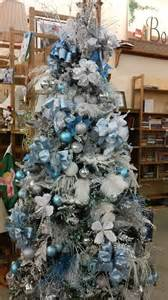 white tree decor 35 frosty blue and white d 233 cor ideas digsdigs