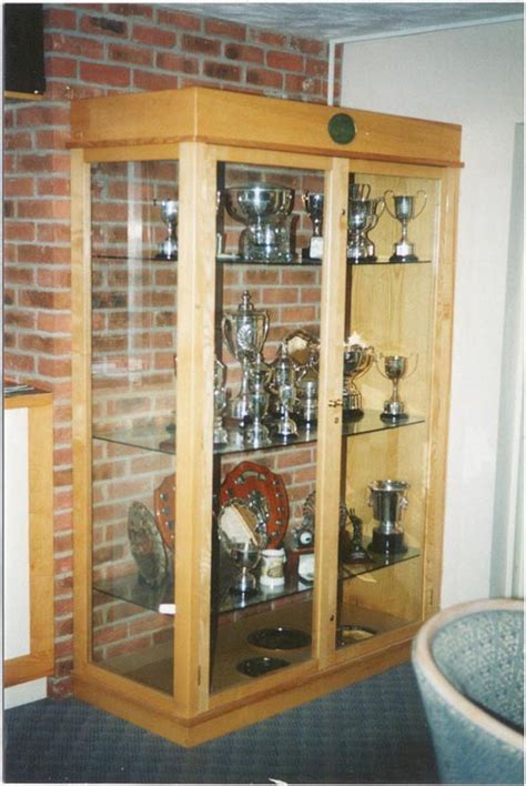 golf display cabinets australia lounge bars oak lockers function rooms maintance