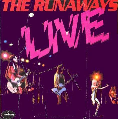 503329 the runaways kive in japan live in japan the runaways photo 10896360 fanpop