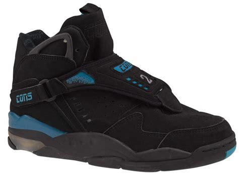 larry johnson basketball shoes las de larry johnson ten 237 an l 237 quido en la suela botines