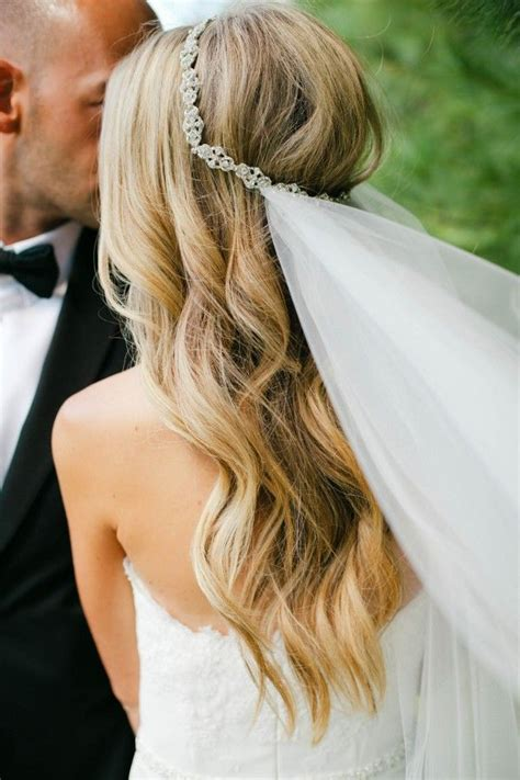 hairstyles down with veil 39 stunning wedding veil headpiece ideas for your 2016