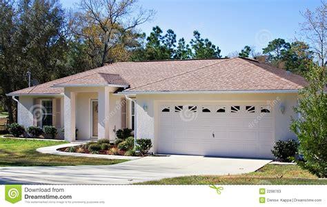 downsize image downsize for retirement stock photos image 2298763