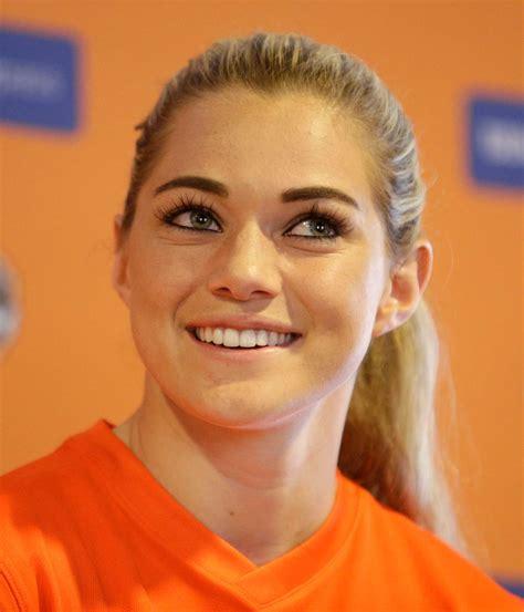 Giles Barnes Houston Dash Player Kealia Ohai Confirms She S Dating J J