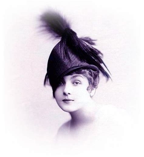 typical womans hairstyle from 1918 world war one ladies hats by lanvin 1918 ww1 fashion hats