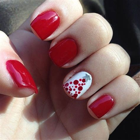 easy nail art for xmas 18 easy cute christmas nail art designs ideas trends