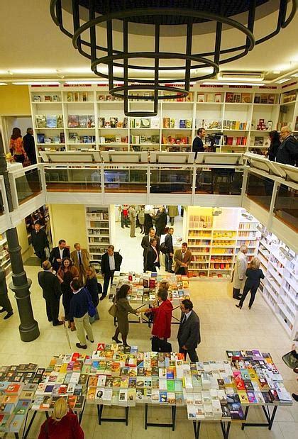 libreria croce addio alla libreria croce 171 stritolati dalle grandi catene