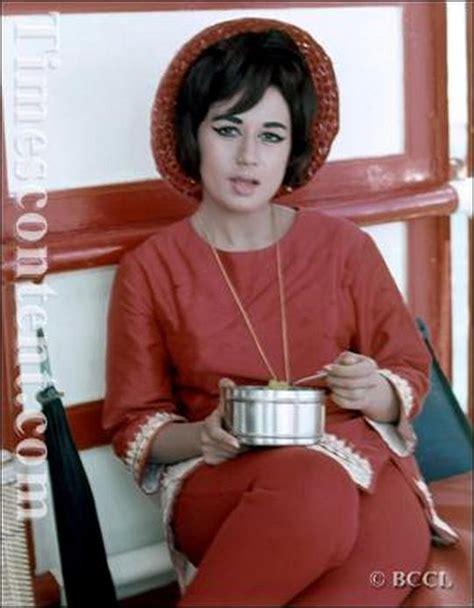biography film actress nanda nanda 1939 2014 10 rare photos of the bollywood actress