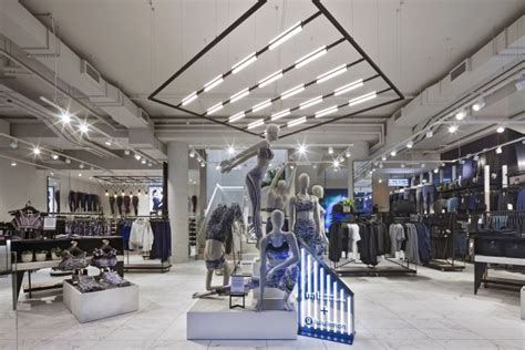 uk store lululemon store by dalziel pow uk 187 retail