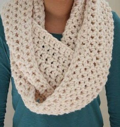how to join an infinity scarf infinity scarf crochet ideas and tips juxtapost