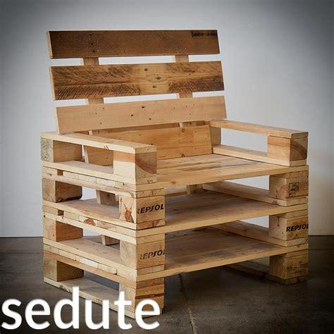 mobili con pedane di legno arredamento in pallet mobili con bancali riciclati