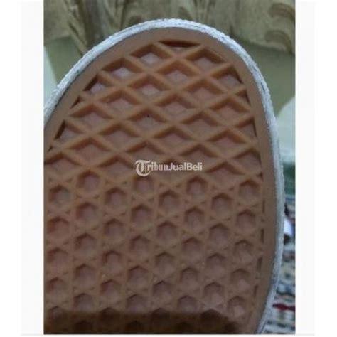 Sepatu Vans Hitam Original sepatu vans pria wanita hitam gumsole size 43 original