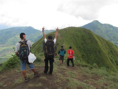 Tenda Anak Salatiga menjadi anak anak di gunung andong backpackers