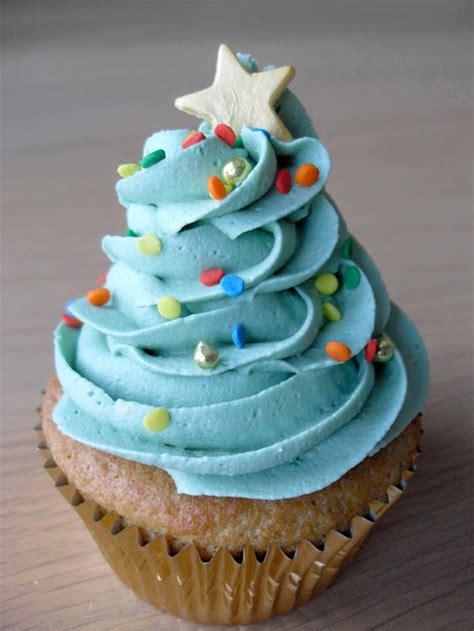 45 Decadent Blue Designed Cupcakes   Cupcakes Gallery