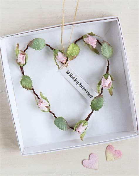 1st Anniversary Gift Ideas   Paper Wedding Anniversary
