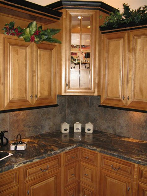 cherry cabinets black molding black crown molding sister this is pretty black crown molding with brown