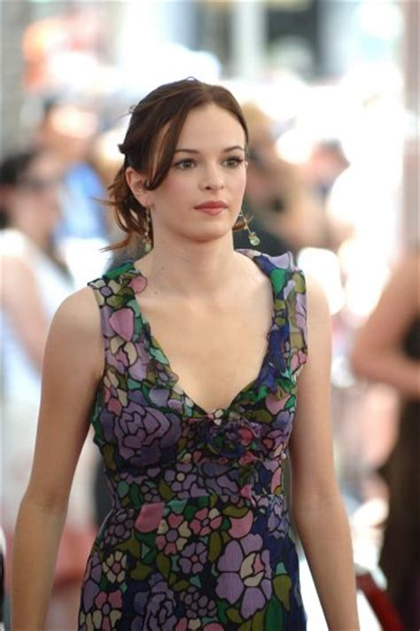 actress sky high danielle panabaker pictures superiorpics