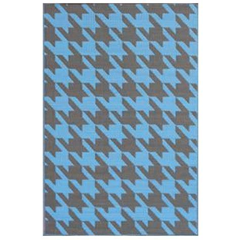 Shop Houndstooth Charcoal Blue Outdoor Mat Mad Mats Outdoor Rugs Mats