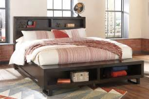 parlone king bed with footboard with bench b721 68 66 99