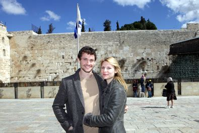claire danes wealth from hostage to homeland jewish israel news