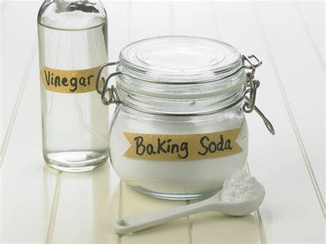 cleaning bathtub with vinegar and baking soda cleaning with baking soda and vinegar thriftyfun