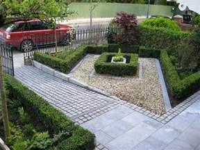 Small Front Garden Ideas Modern Front Yard Landscaping House Design With And Concrete Block Floor Tiles Plus Black