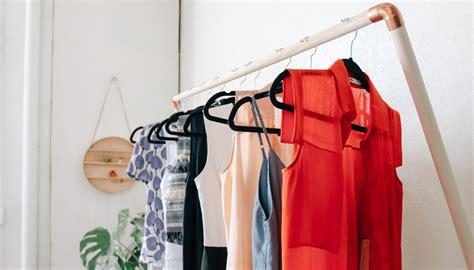 Diy Garmet Rack by Leaning Garment Rack Diy Designcomb