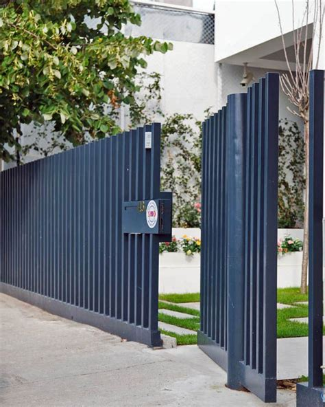 fence design modern home architecture styles  massive bright display  tecon architects