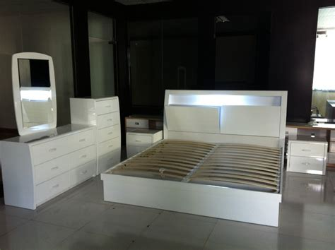 high gloss bedroom furniture modern high gloss wood bedroom furniture