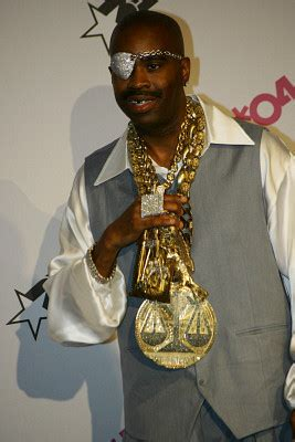 Post some of the most BLINGED OUT rappers ever known to mankind!   Genius