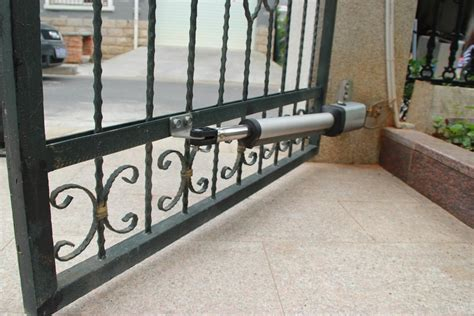 automatic swing gate motor 350kg single swing auto motor gate opener with solar diy