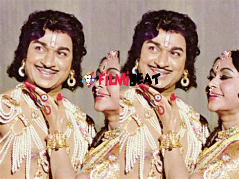 kannada film actor vajramuni family dr rajkumar starring babruvahana re releasing on april 22