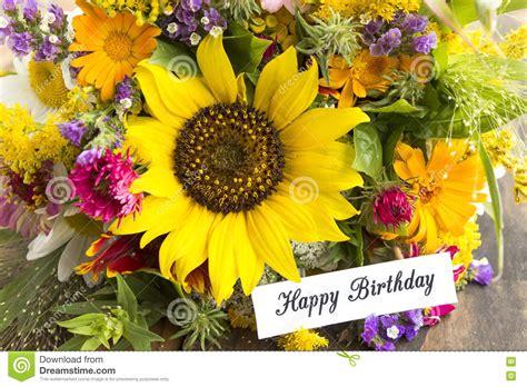 mazzo di fiori buon compleanno mazzo di fiori per compleanno cl25 187 regardsdefemmes