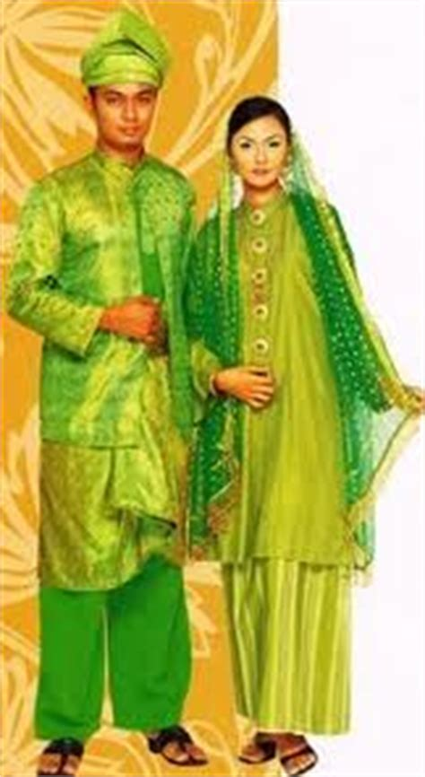 Baju Kurung Kaum Melayu teh sye li d20112052704 bahasa malaysia pakaian tradisional masyarakat di malaysia